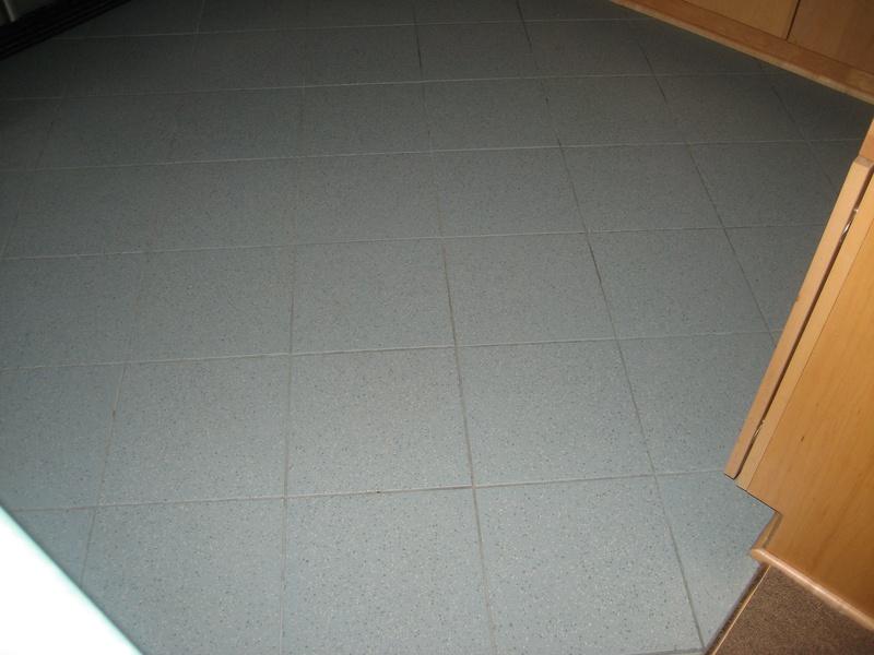 Porcelain tile in kitchen